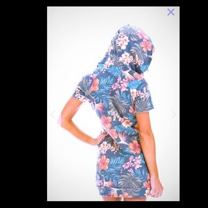 KAUAI SHORT SLEEVE HOODIE DRESS - CHARCOAL